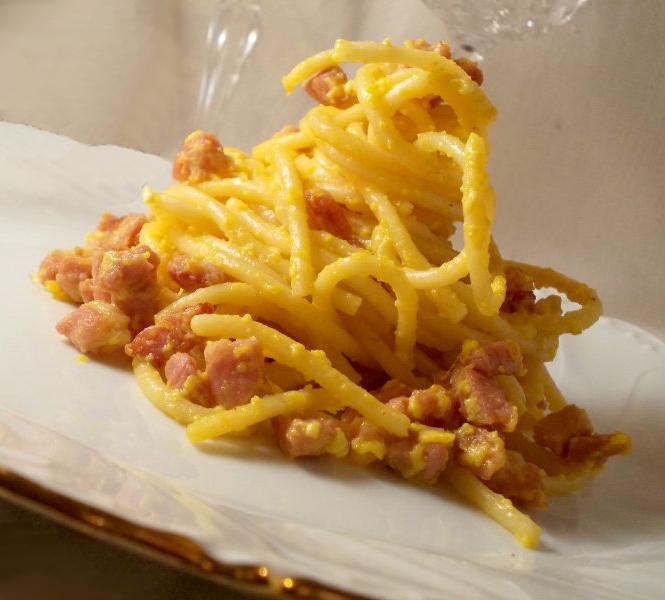 spaghetti-alla-carbonara-cut